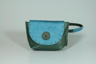 Tasje Hen, groen met blauw huidje